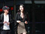 摄影和高个子美女走在一起,男朋友自卑了!