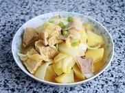 白菜炖冻豆腐#做道懒人菜,轻松享假期#