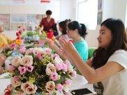学插花、练瑜伽  艺术教育走进孕妇课堂