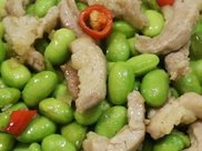 毛豆子炒肉丝时,多加这2步,毛豆子翠绿不发黄,肉丝嫩滑无腥味