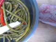 没胃口来一盘酸豆角炒肉末,酸辣开胃、口感爽脆,一盘都不够吃