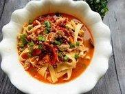 肉那么贵,三道素菜主打的水煮菜系列符合现代餐饮理念,超级好吃
