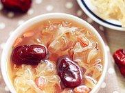 你知道秋季喝银耳汤的好处与禁忌吗