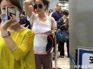 50岁王菲健身房挥汗如雨,小腹平坦身材纤细破怀孕传闻