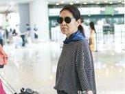60岁倪萍素颜照曝光,脸瘦皮松看似70岁,几乎认不出来了!