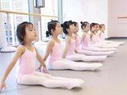 跟着4岁女宝探东区这家芭蕾机构,老师全出自广芭芭蕾系