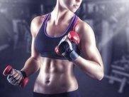 一个哑铃,教你5个动作,在家就能锻炼全身肌肉,瘦身塑形!