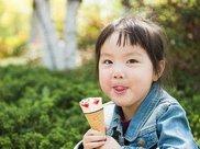 孩子吃冷饮会伤脾胃、拉肚子?冷饮:这锅我不背