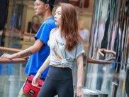 气质优雅的小姐姐,瑜伽裤搭配灰色T恤,尽显青春活力的气息!