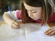 陪孩子写作业诸多崩溃,牢记两个字,你会有不同收获
