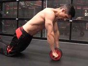 普通人做腹肌轮一天做多少合适
