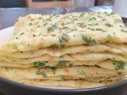 鸡蛋香葱饼,葱香味浓郁,美味的早餐小饼