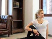 坚持练这5式瑜伽,你的身材和皮肤会越来越好