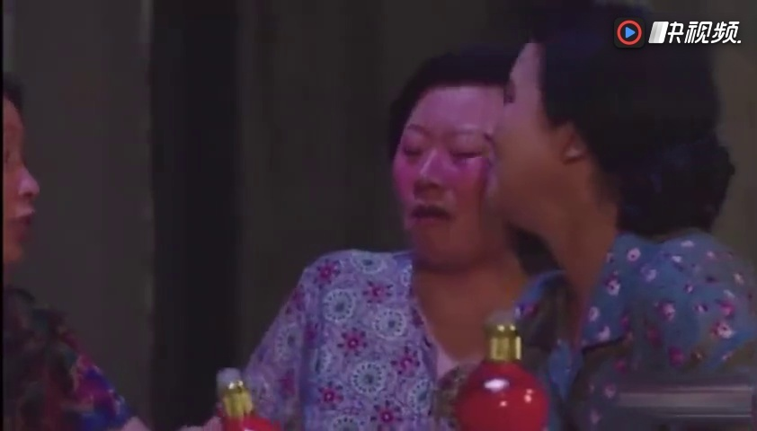 打跑视屏_乡村爱情10:媳妇们集体撒酒疯,出气打跑谢广坤