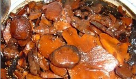 东北人大量腌制鬼子姜的腌制方法