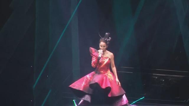 《每日文娱播报》20170710李玟北京开唱