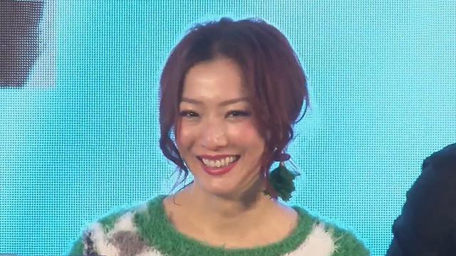 《每日文娱播报》20170210郑秀文看望刘德华