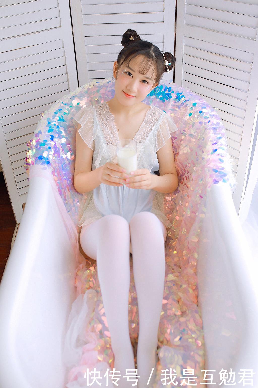穿白丝的小学女生被绑_白丝小学生被绑厉憋尿 - www.aihao8w.com
