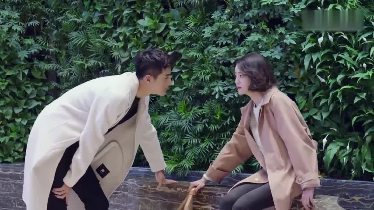 《我站在橋上看風景》電視劇片花:姜潮用真心融化李溪芮已冰封.