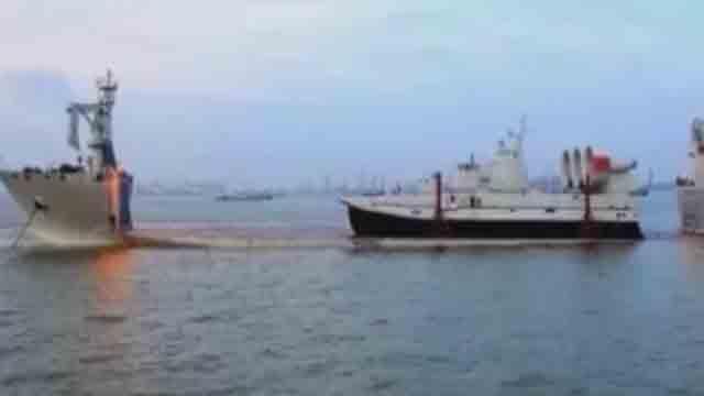 《军情解码》20170718开赴吉布提的两艘舰艇