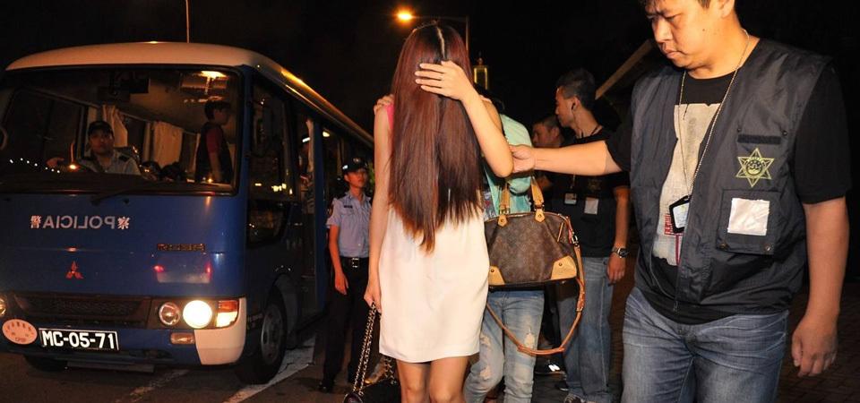女子深夜收到前男友发来视频,点开一看吓得立马报警