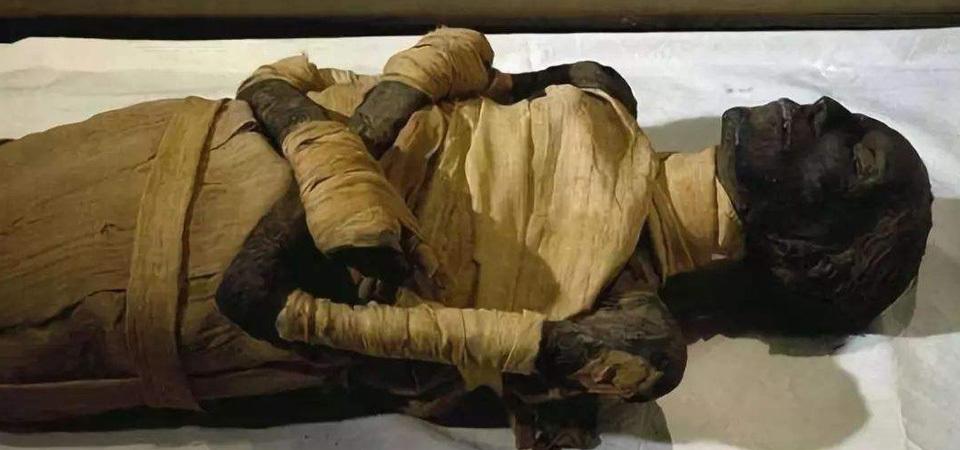 2500年木乃伊出土后,竟还有心跳声?专家研究后大喊