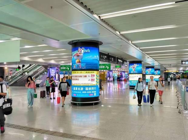 深圳北站换成大厅的圆柱LED广告哪家广告公司在做