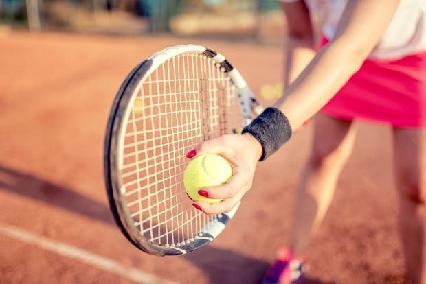 为什么网球都在室外进行,室内不能打网球吗图3