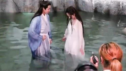 《天乩之白蛇传说》花絮:白夭夭出水芙蓉,任嘉伦直接看傻了,好美!