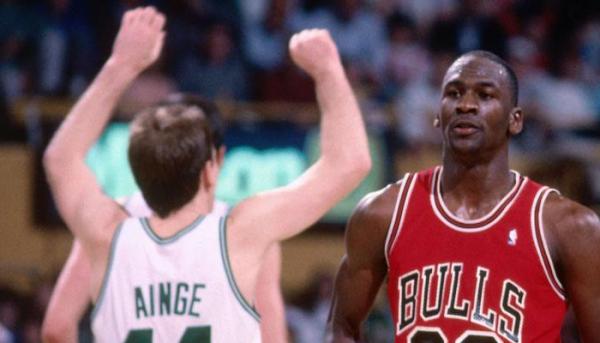 NBA有哪五位巨星或不会被退役球衣图1