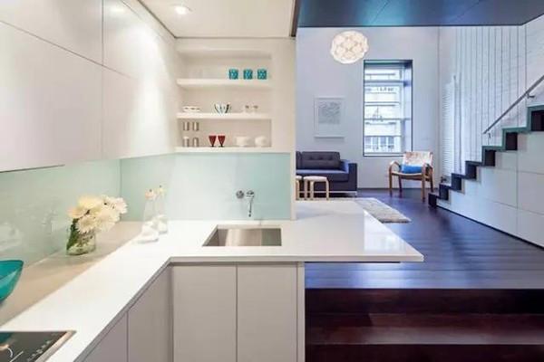 不想让厨房里太压抑又有收纳功能,如何去设计?