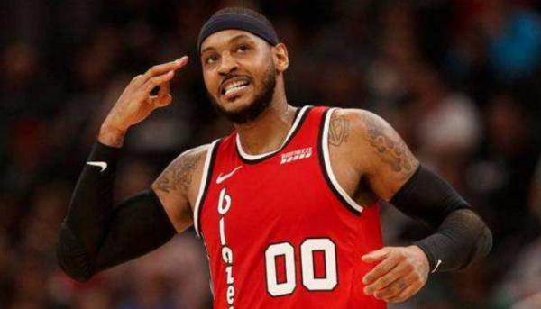 NBA有哪五位巨星或不会被退役球衣图2